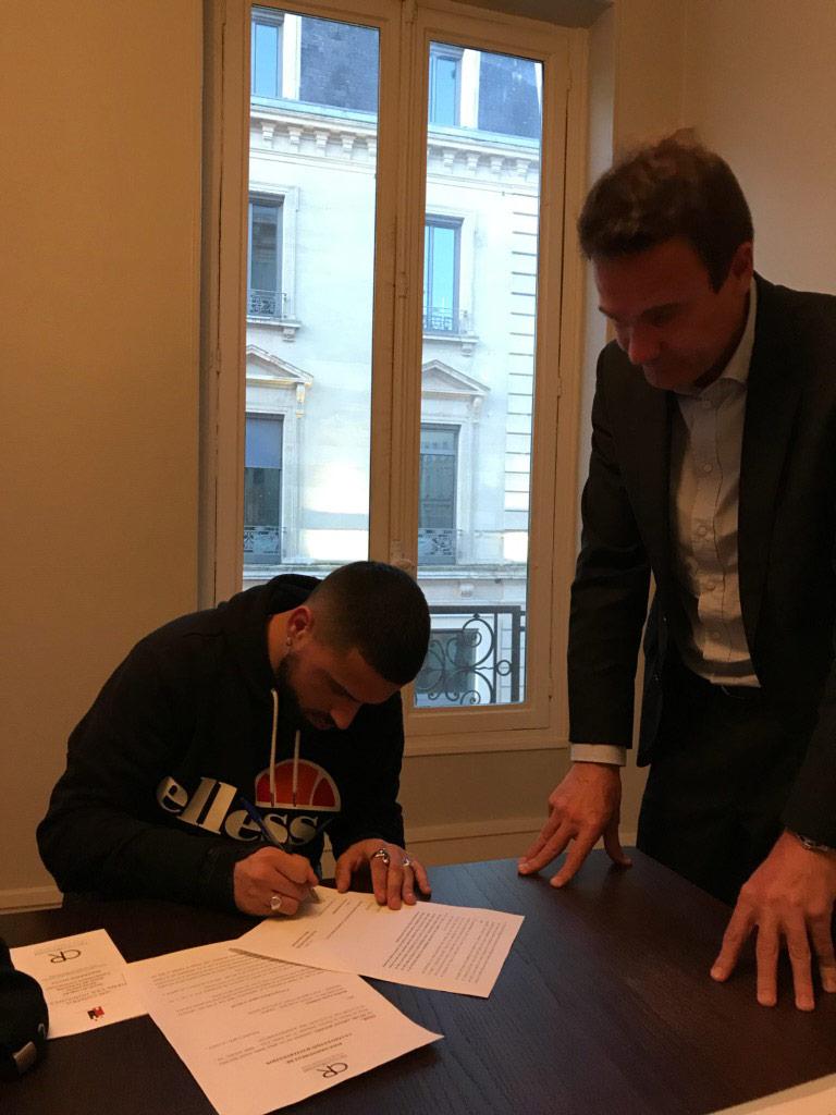 Signature de Jordan GOBRON, footballeur professionnel au club de QRM (Quevilly Rouen Métropole)